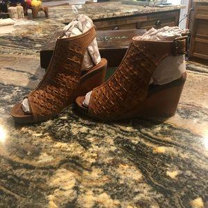 NEW Diba True wedge sandal